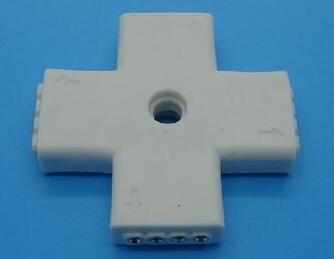 LED Stripe Connettore +-Shape 3528 5050 Ect 4P LED